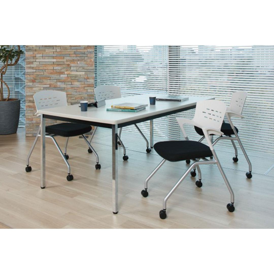 ミーティングテーブル使用例
